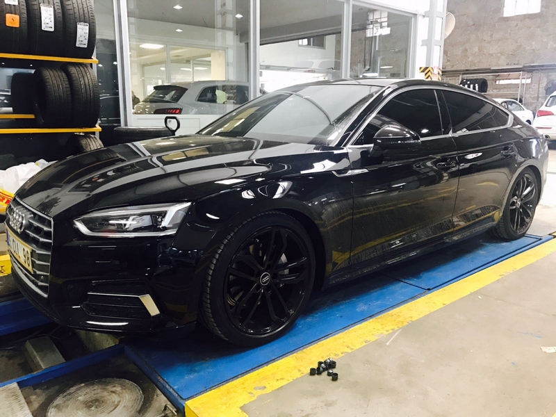 After-Audi Piano Black Revizyon