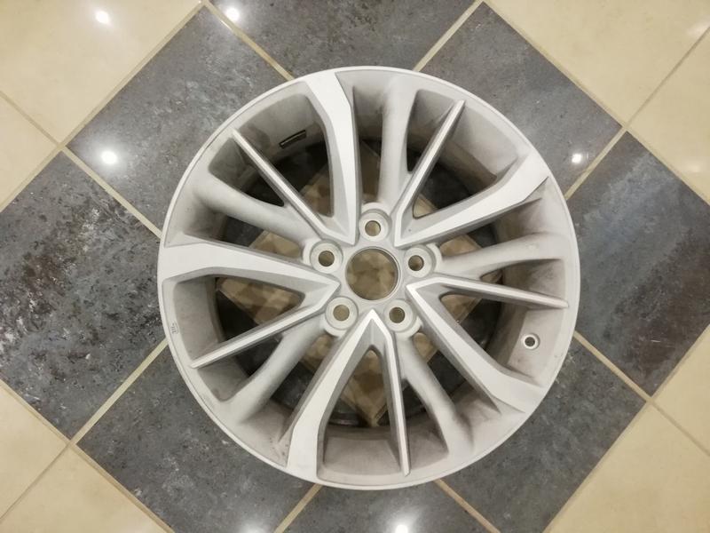 Before-Toyota corolla CNC Jant Revizyonu